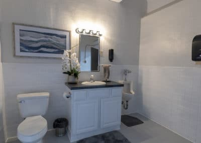 BrightWater Bay Beach House Bathroom