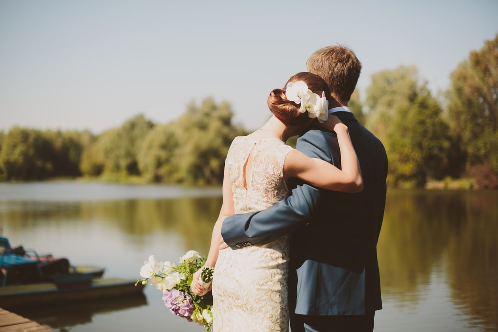 5 Ideas for a Memorable Lakeside Wedding